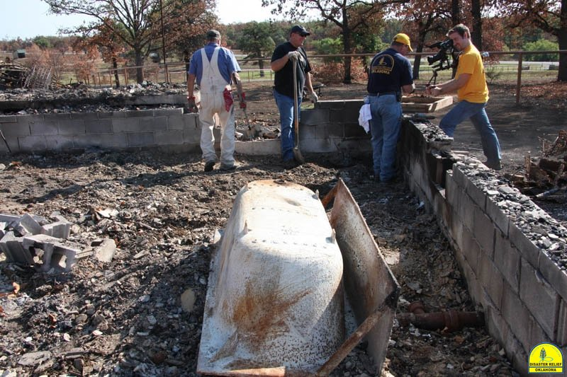 20120821_disasterrelief_hobbs_0056