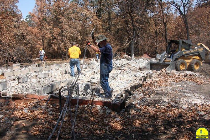 20120821_disasterrelief_hobbs_0122