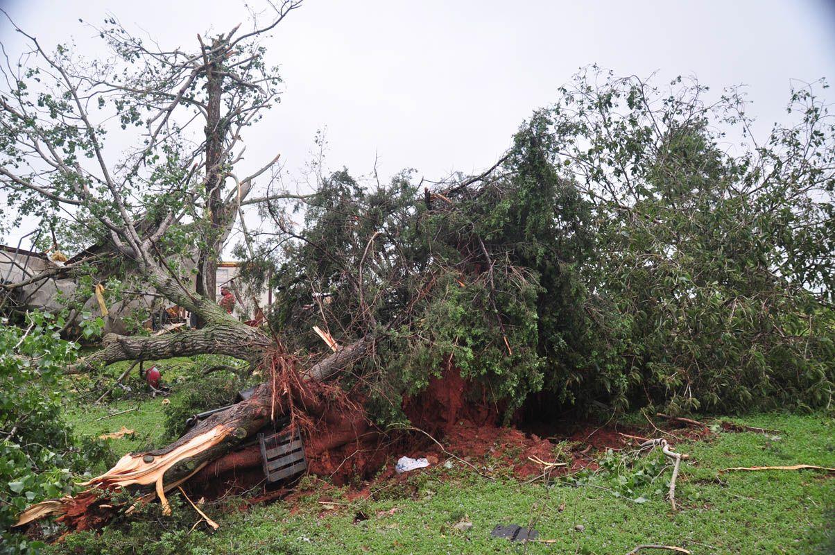DR_2015-05_Tuttle-Tornado_David-Crowell-39.jpg