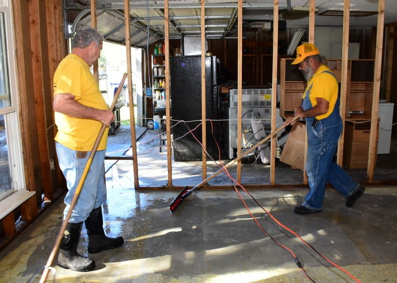 Disaster Relief - Charleston, SC Flooding - 2015-22477253365 (1)