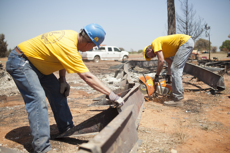 Oklahoma Baptist Disaster Relief Volunteers Clear Guthrie Home Sites of Ash